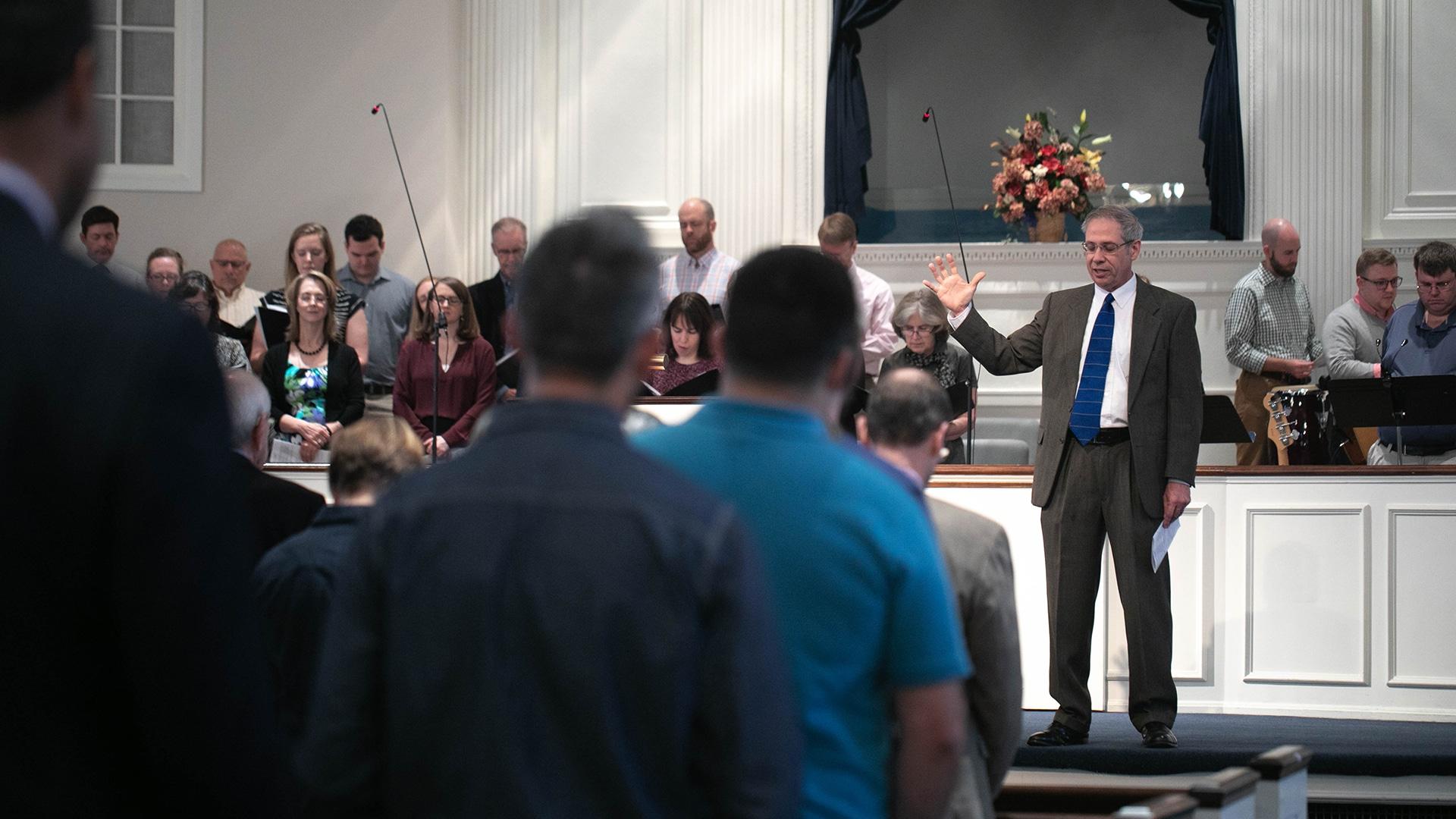 Church membership in pews